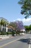 Calle en Santa Barbara, los E.E.U.U. Foto de archivo
