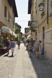 Calle en Sirmione Imagen de archivo libre de regalías