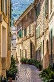 Calle en Soller, Mallorca Fotos de archivo libres de regalías