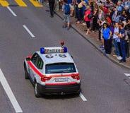 Calle en Zurich durante el desfile dedicado al día nacional suizo Foto de archivo libre de regalías