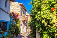 Calle encantadora en un pueblo viejo de Lefkara Distrito de Larnaca, Foto de archivo