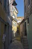 Calle estrecha Foto de archivo libre de regalías