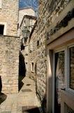 Calle estrecha de Budva viejo, Montenegro Fotos de archivo libres de regalías