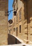 Calle estrecha en Mdina Fotografía de archivo libre de regalías