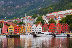 Calle famosa de Bryggen en Bergen - Noruega Foto de archivo