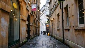 Calle famosa en el centro de Bristol, Reino Unido durante el día nublado almacen de video