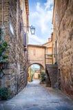 Calle hermosa de Montisi, Toscana Fotografía de archivo