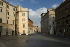 Calle hermosa en Roma, Italia Foto de archivo libre de regalías