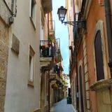 Calle hermosa en Syracusa Imágenes de archivo libres de regalías