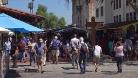 Calle histórica de Olvera en Los Ángeles, California metrajes