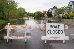 Calle inundada horizontal cerrada del camino Foto de archivo libre de regalías