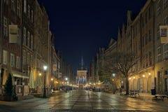 Calle larga en Gdansk, Polonia. Fotos de archivo