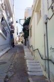 Calle linda y cómoda de una pequeña ciudad Imagenes de archivo