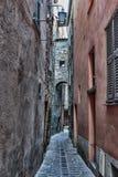 Calle medieval estrecha en Francia Imágenes de archivo libres de regalías