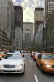Calle muy transitada Foto de archivo libre de regalías