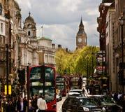 Calle muy transitada de Londres, Inglaterra, el Reino Unido Fotografía de archivo libre de regalías
