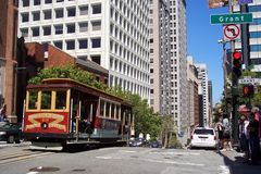 Calle muy transitada en San Francisco Imagen de archivo libre de regalías