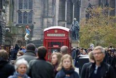 Calle ocupada de Edimburgo Imagenes de archivo