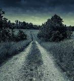 Calle oscura misteriosa foto de archivo