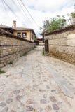 Calle piedra-construida original en búlgaro Koprivshtitsa Foto de archivo libre de regalías