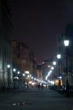 Calle por noche Imágenes de archivo libres de regalías