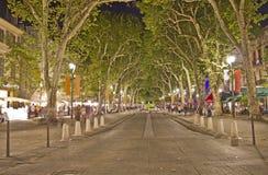 Calle principal de Aix-en-Provence imagenes de archivo
