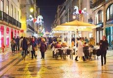 Calle principal de los turistas Lisboa, Portugal Imagenes de archivo