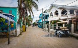 Calle principal del calafate de Caye - Belice fotos de archivo libres de regalías