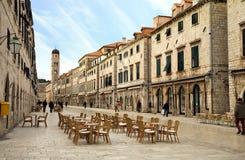 Calle principal en ciudad vieja en Dubrovnik, Croatia Fotografía de archivo libre de regalías