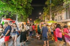 Calle que camina del mercado de domingo Fotografía de archivo libre de regalías