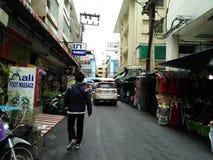 Calle que recorre fotografía de archivo