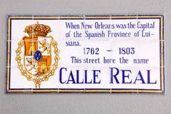 Calle real histórica de la muestra de calle de New Orleans Foto de archivo