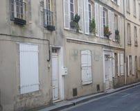 Calle residencial vieja de Normandía Foto de archivo
