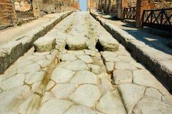 Calle romana en Pompeii Imágenes de archivo libres de regalías