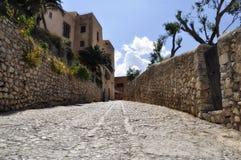 Calle Santa María - ciudad vieja de Ibiza Foto de archivo libre de regalías
