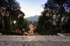 Calle típica de México en San Cristobal de Las Casas La ciudad localiza Foto de archivo