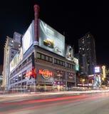 Calle Toronto de Yonge en la noche Foto de archivo libre de regalías