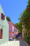 Calle tradicional agradable Grecia del pueblo Fotografía de archivo