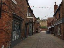 Calle tranquila en la ciudad histórica de Lincoln fotos de archivo libres de regalías
