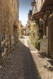 Calle trasera en Rhodes Old Town Imagen de archivo