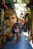 Calle turística de las compras, Rethymno imagen de archivo