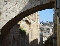 Calle v?a Dolarosa Vista del monte de los Olivos jerusal?n Israel foto de archivo libre de regalías