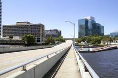 Calle vacía de la ciudad, Jacksonville, la Florida Imagen de archivo