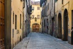 Calle vacía en Florencia, Italia, 2014 imagenes de archivo