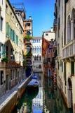 Calle veneciana fotografía de archivo libre de regalías