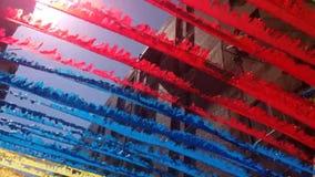 Calle ventosa de la decoración del viento almacen de metraje de vídeo