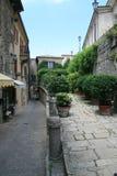 Calle verde en San Marino Imagen de archivo libre de regalías