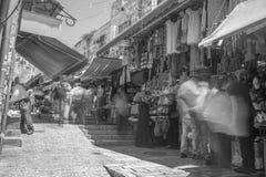 Calle vieja de Jerusalén de la ciudad en vacaciones del turismo del verano Imagen de archivo libre de regalías