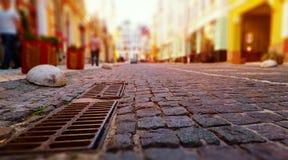 Calle vieja de la ciudad en colores retros Fotos de archivo libres de regalías