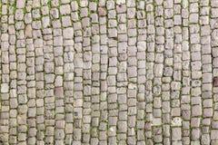 Calle vieja de la piedra del adoquín Imágenes de archivo libres de regalías